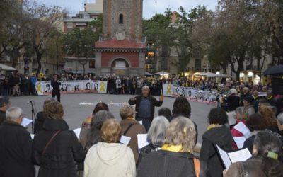 Dilluns, 22 d'abril a la plaça de la Vila