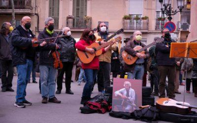 Dilluns, 19 d'abril a la plaça de la Vila